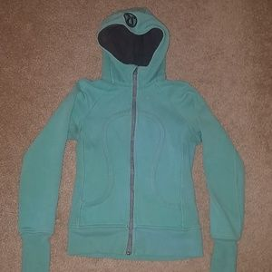 Size 4 Lululemon Scuba hoodie